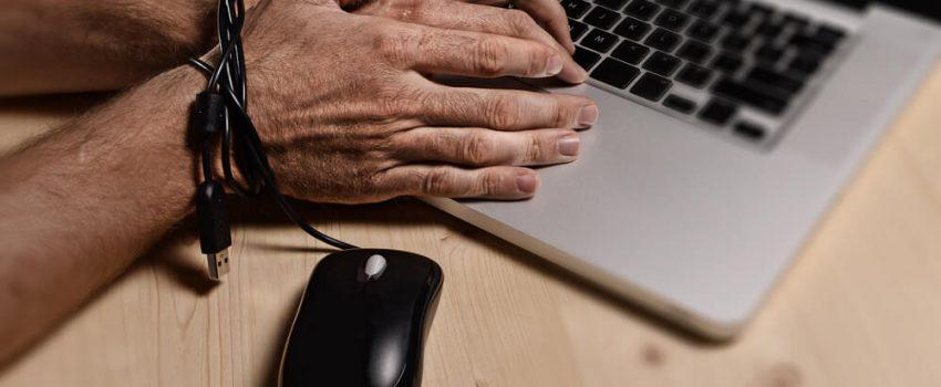 znaci zavisnosti od Interneta Lečenje zavisnosti Klinika Dr Vorobjev 1